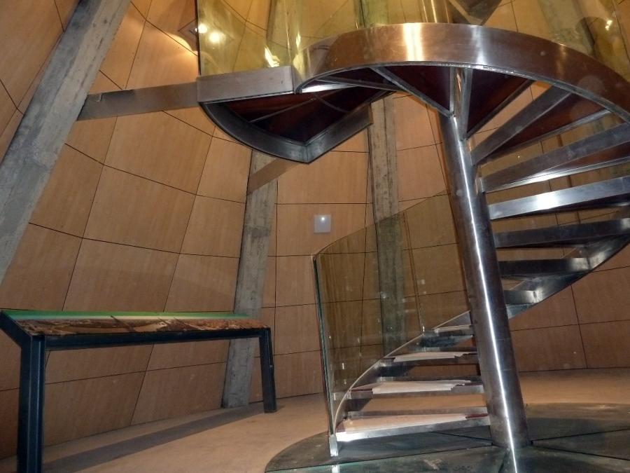 Detalle base escalera de caracol