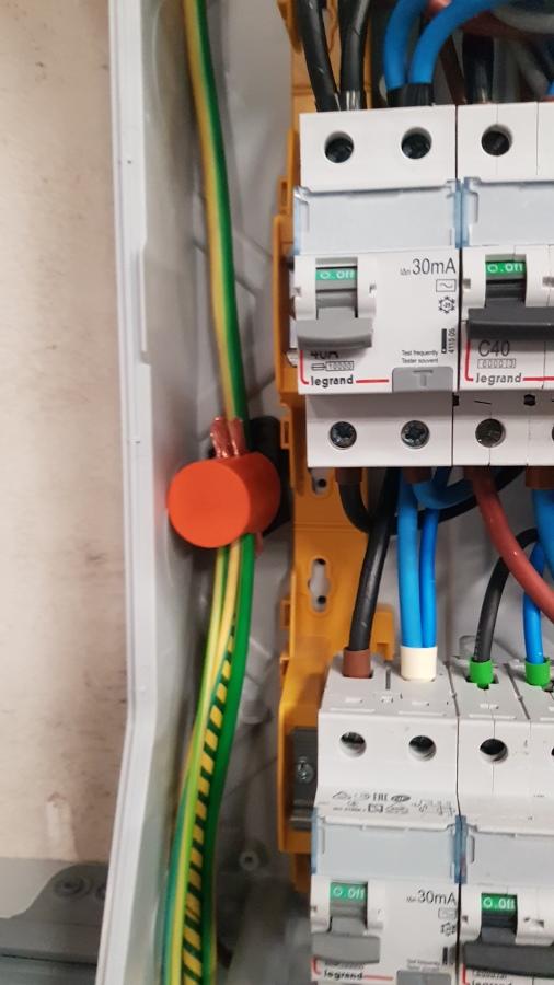detalle conexión de conductor de protección