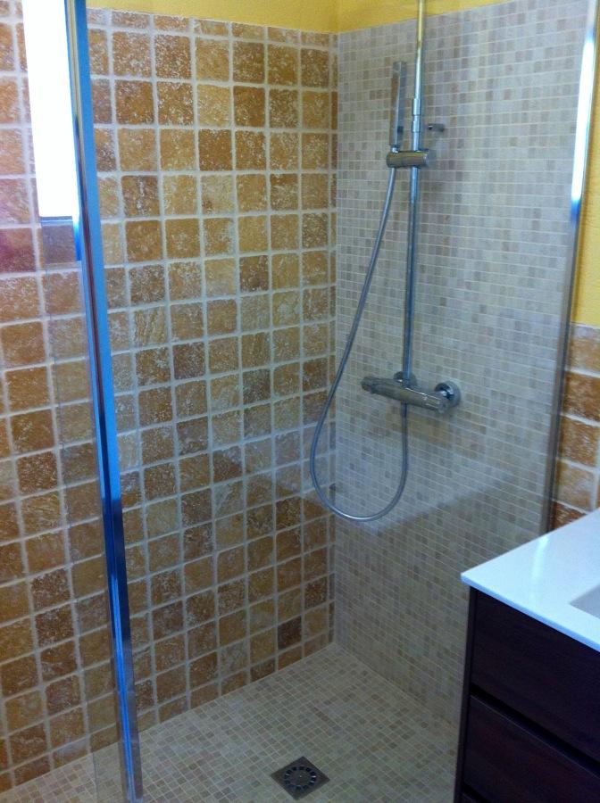 Reforma ba o integral ideas construcci n casas - Cristal fijo para ducha ...