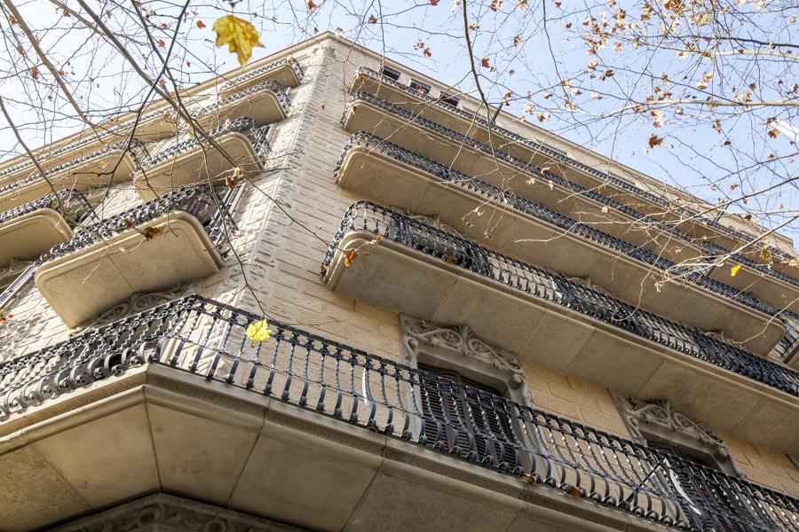 Detalle de fachada principal rehabilitada