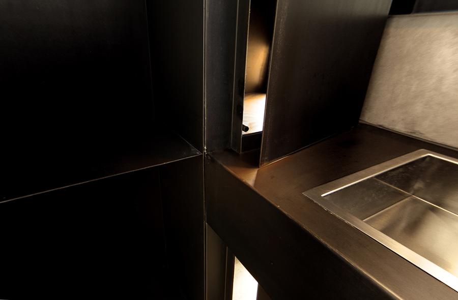Detalle de la apertura del armario.