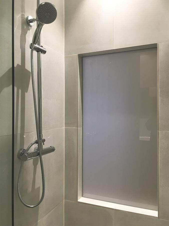 Detalle de la misma ventana desde el baño de invitados