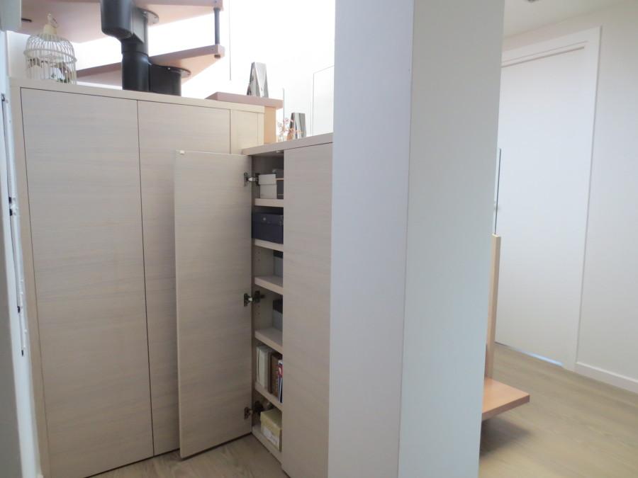 Detalle de los armarios (zapatero)