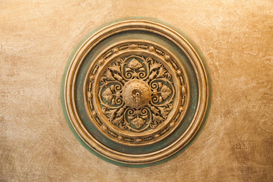 Detalle de Rosetón de techo restaurado