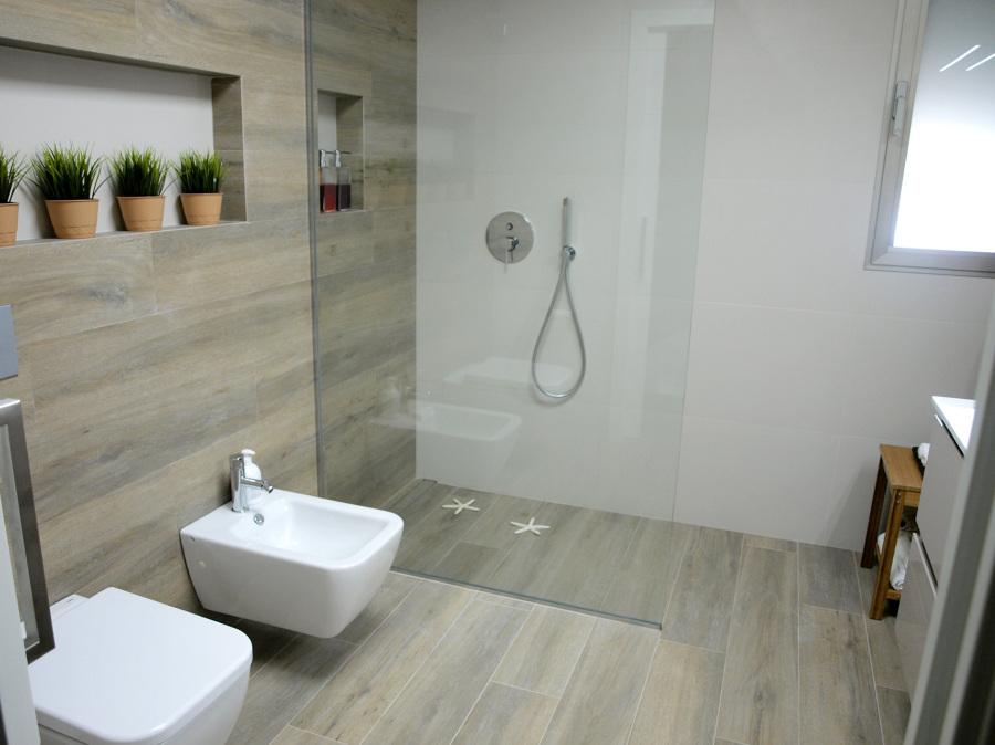 Detalle del baño ppal. de la vivienda