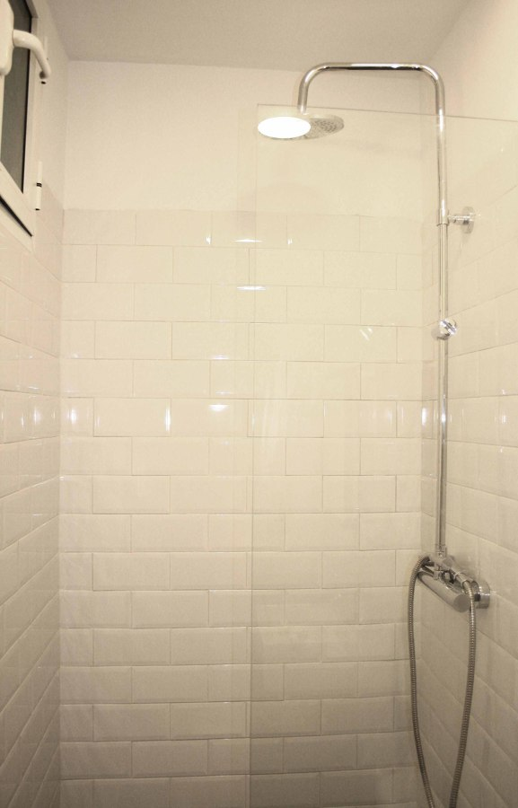 Detalle ducha baño