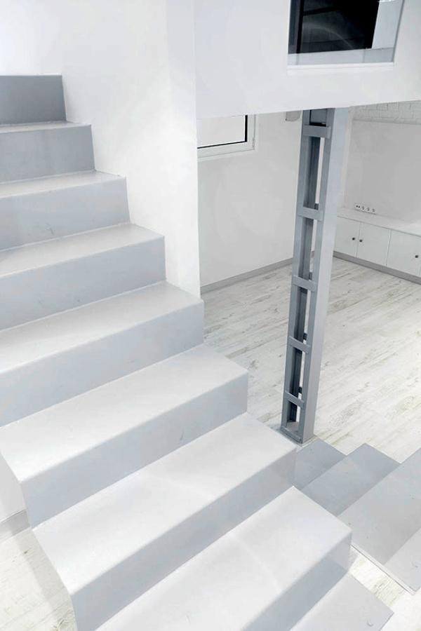 Detalle escaleras/pilar Canarias House