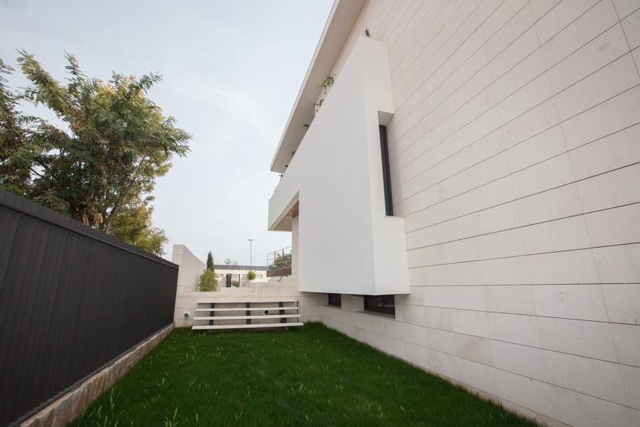 Detalle jardín lateral