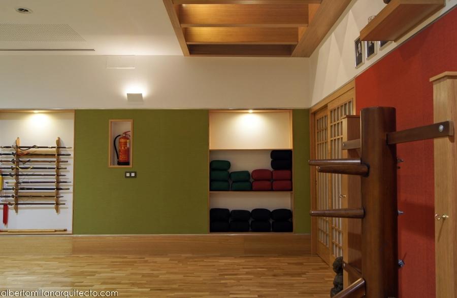 Detalle lucernario y mobiliario.