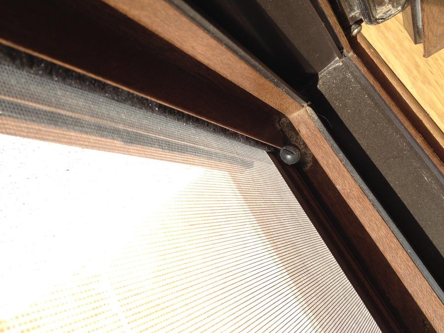 Detalle mosquitera salón