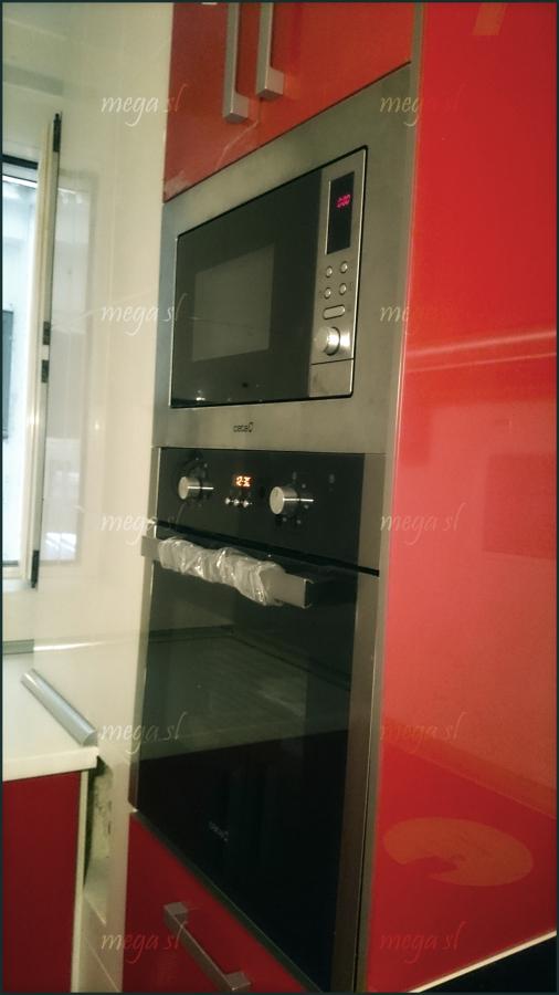 Muebles de Cocina en Rojo Brillo  Ideas Carpinteros
