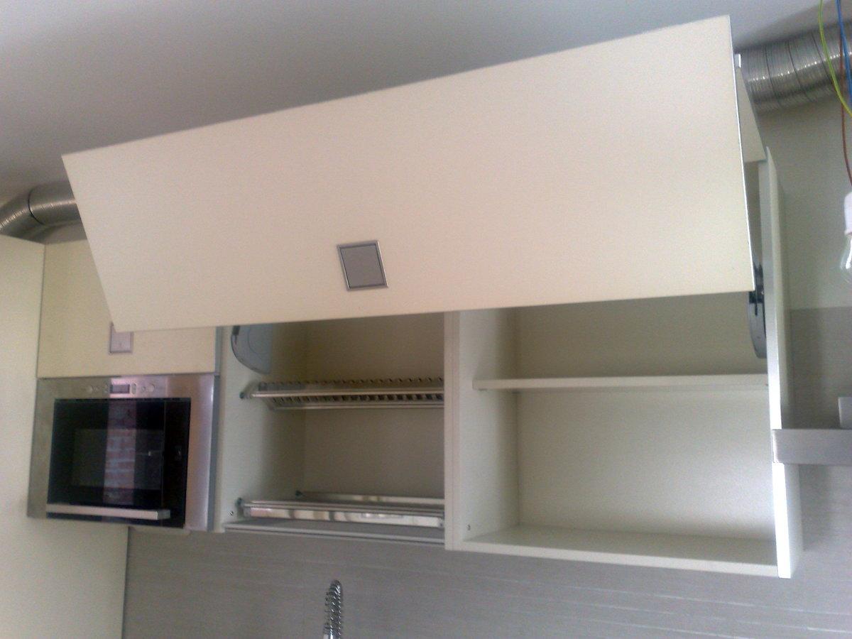 Muebles despensa cocina mueble de cocina despensa puertas for Muebles de cocina despensa