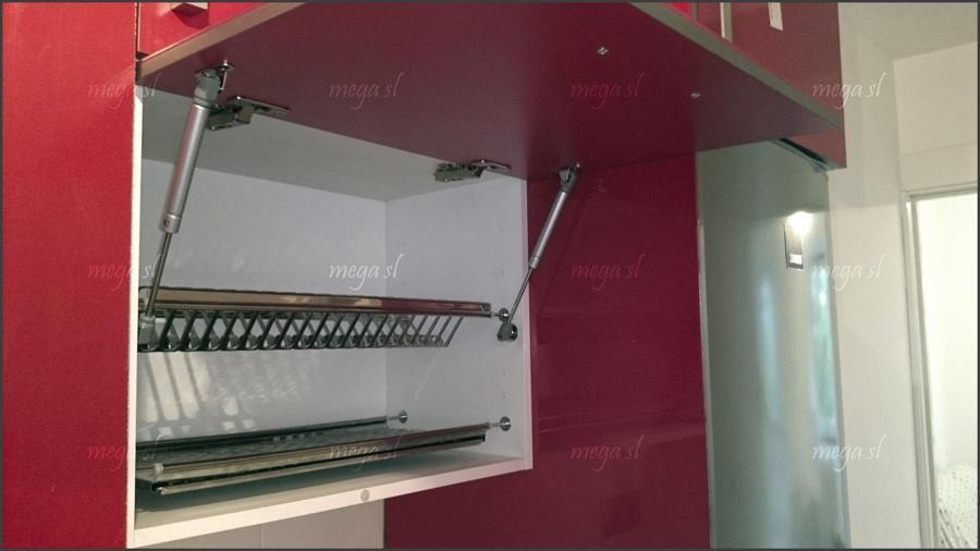 Muebles de cocina en rojo brillo ideas carpinteros - Escurreplatos para muebles de cocina ...