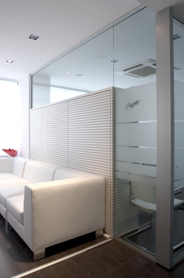 Proyecto oficina nozar velazquez ideas reformas oficinas - Panelado de paredes ...