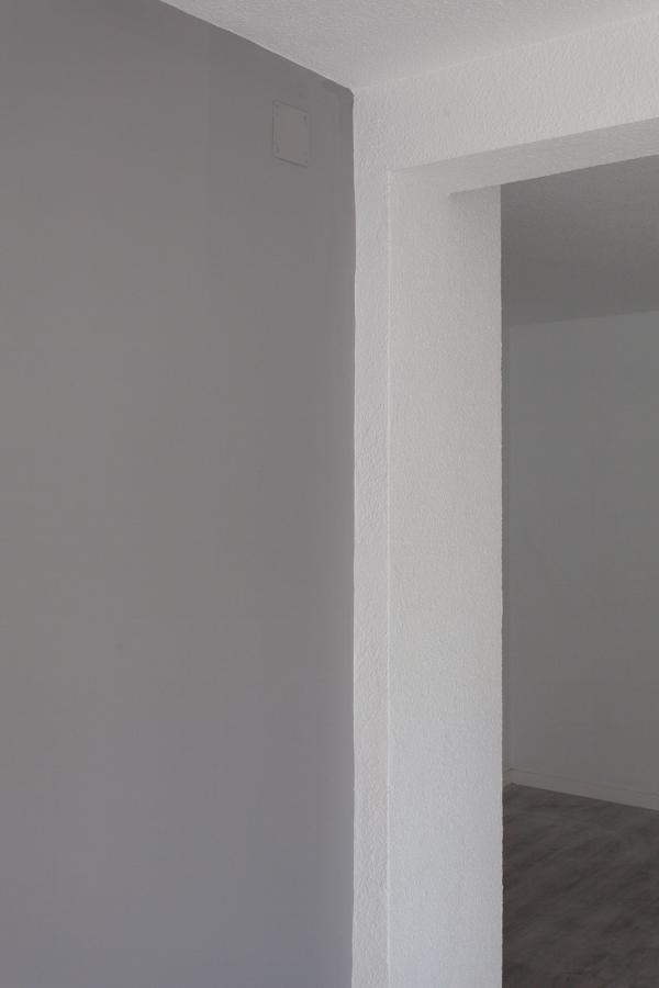 Detalle pintura salón en dos tonos