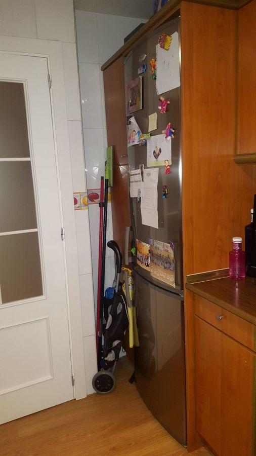 Detalle puerta batiente y esquina antes de la reforma