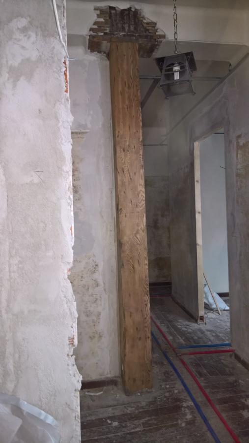 Detalle viga y pilar de madera