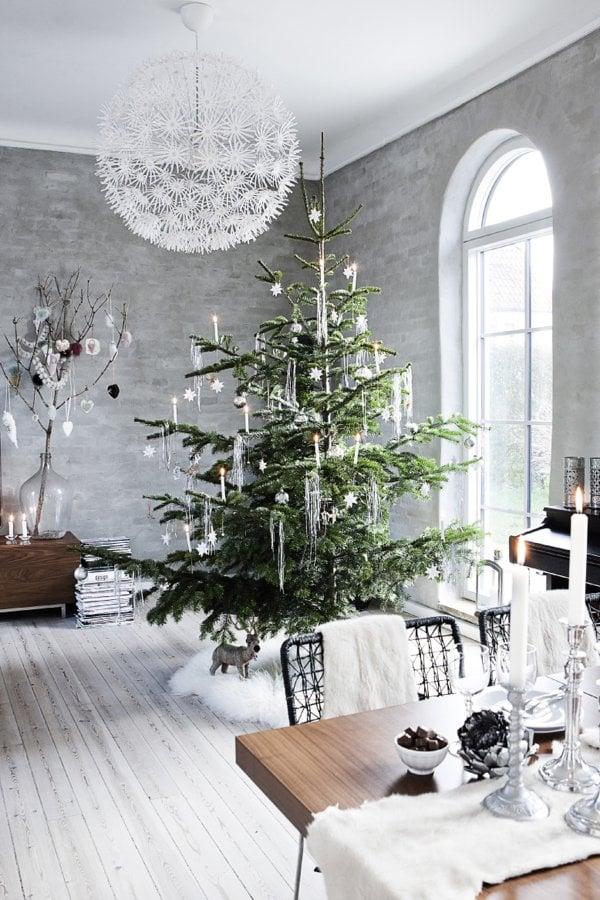 decoración navideña en gris