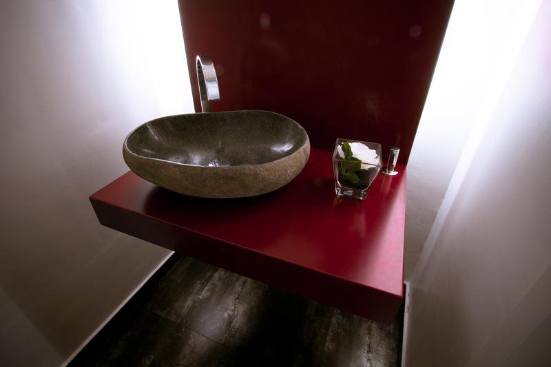 Diseño baño a medida con iluminación integrada