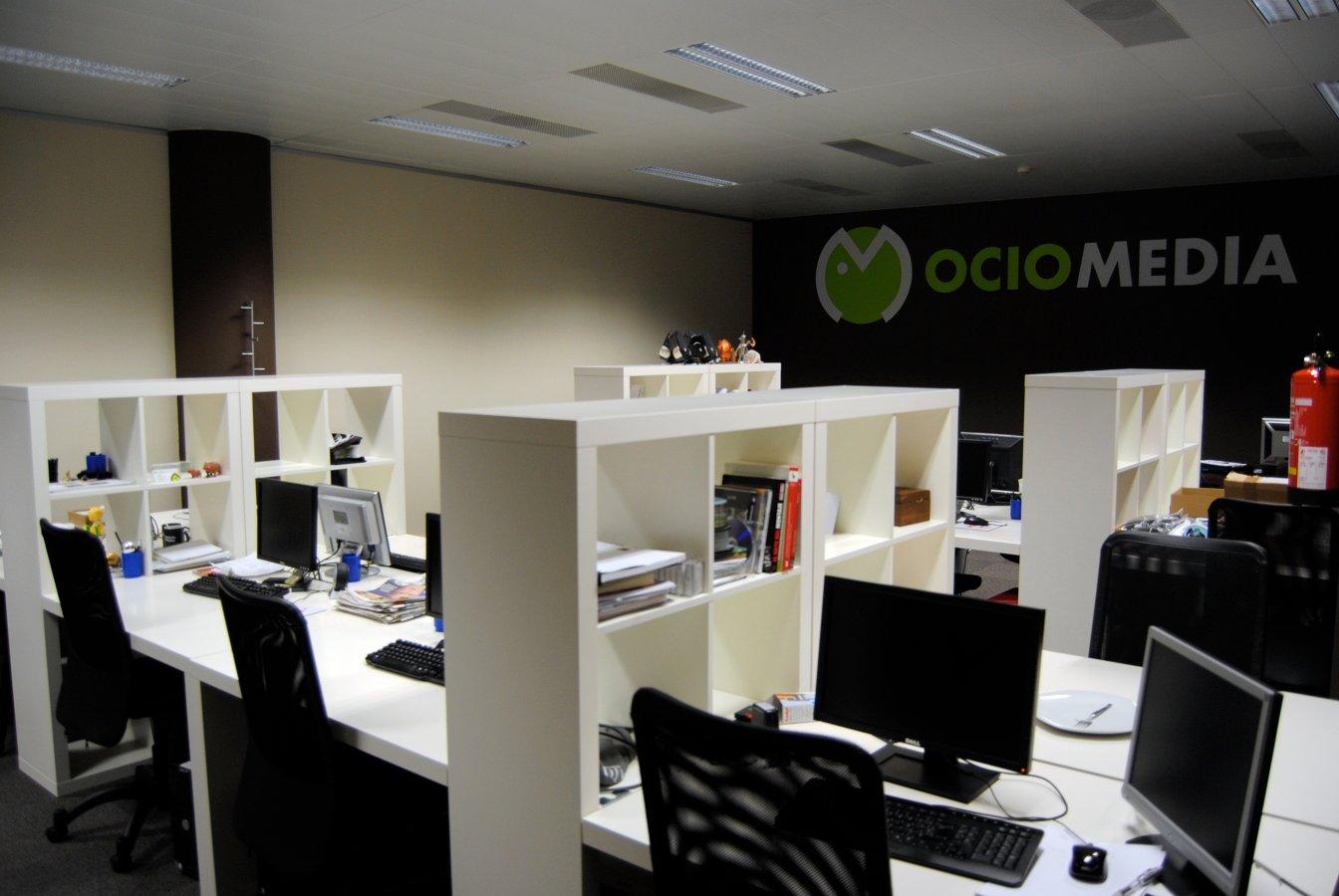 Foto dise o oficinas grupo itnet de 800m2 en barcelona de for Disenos para oficinas