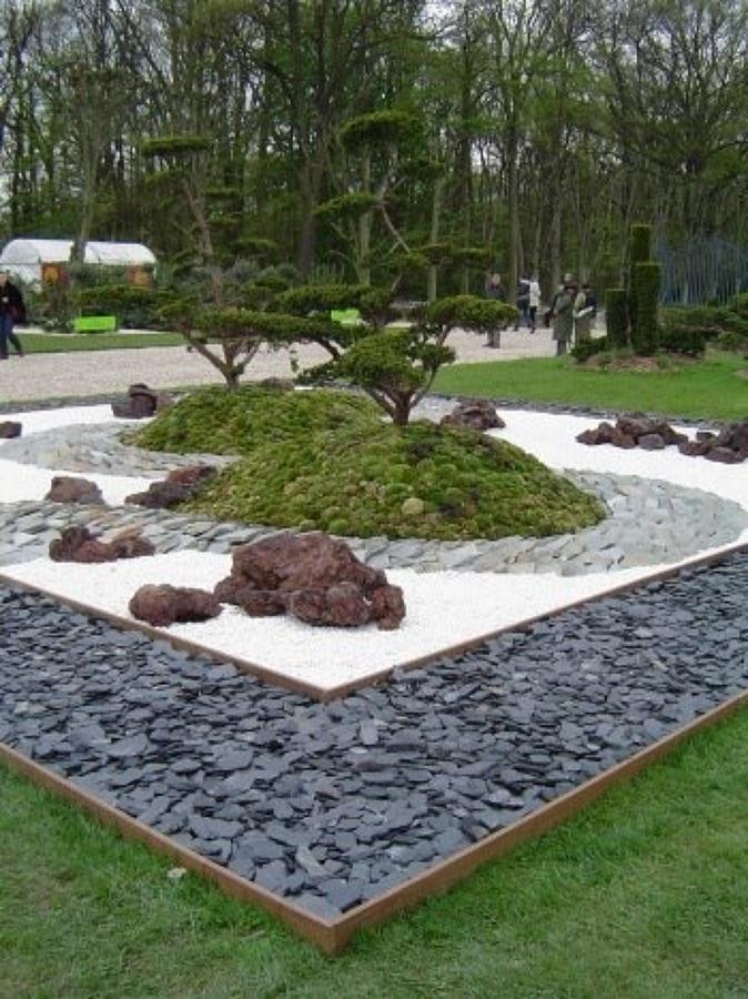 Foto dise o realizado para parque ayuntamiento de jose for Piedras blancas para patio