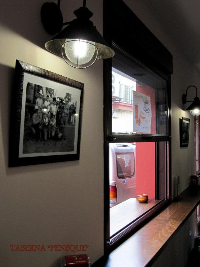 Diseño y construcción de reforma de bar con cocina
