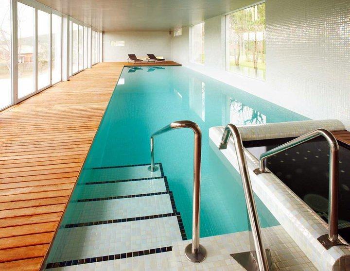 Dise o y construcci n piscina cubierta y vestuarios - Diseno y construccion de piscinas ...