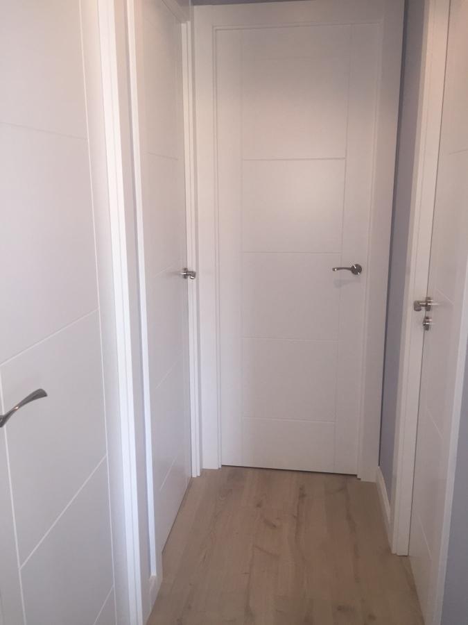 Distribuidor con las puertas lacadas instaladadas