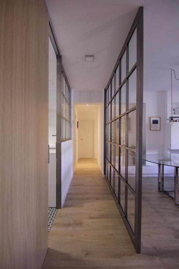 Foto distribuidor con puerta abierta de f brica tuungoo - Fabrica de puertas en madrid ...