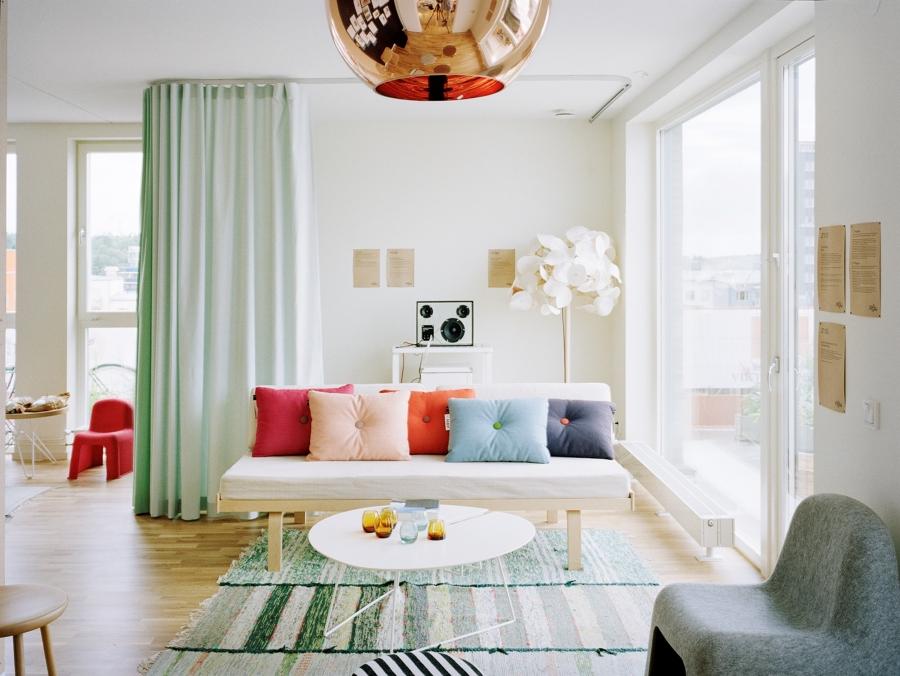 C mo dividir espacios y crear diferentes ambientes en casa - Cortinas para puertas correderas ...