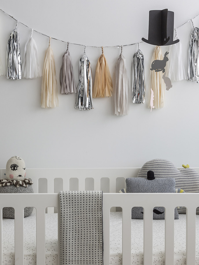 diy con papel plata y beige para habitacin beb