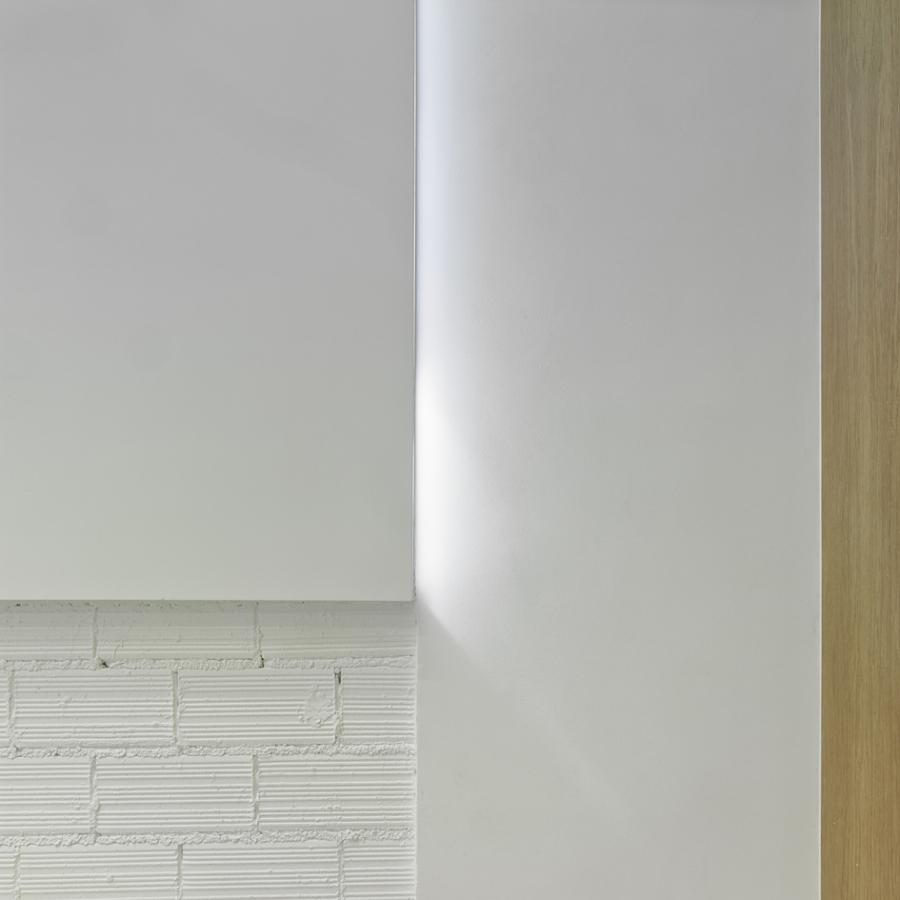Ladrillo y madera en blanco