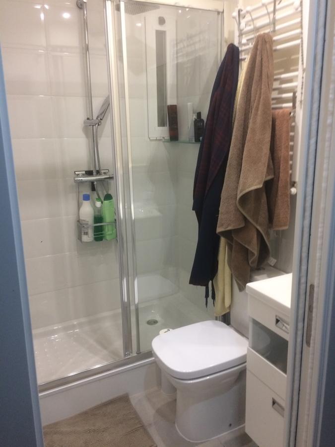 Donde habia un solo baño, sacamos dos !