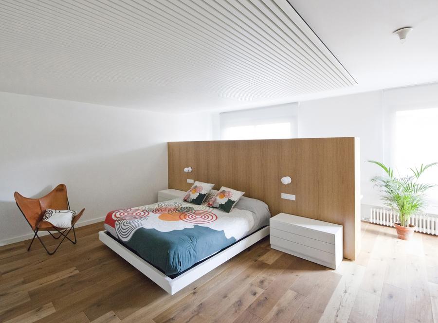 Foto dormitorio cabecero muro madera 1219478 habitissimo - Muro de madera ...