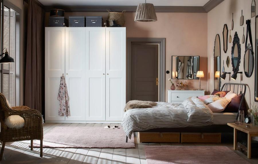 Dormitorio clásico con colchón de IKEA