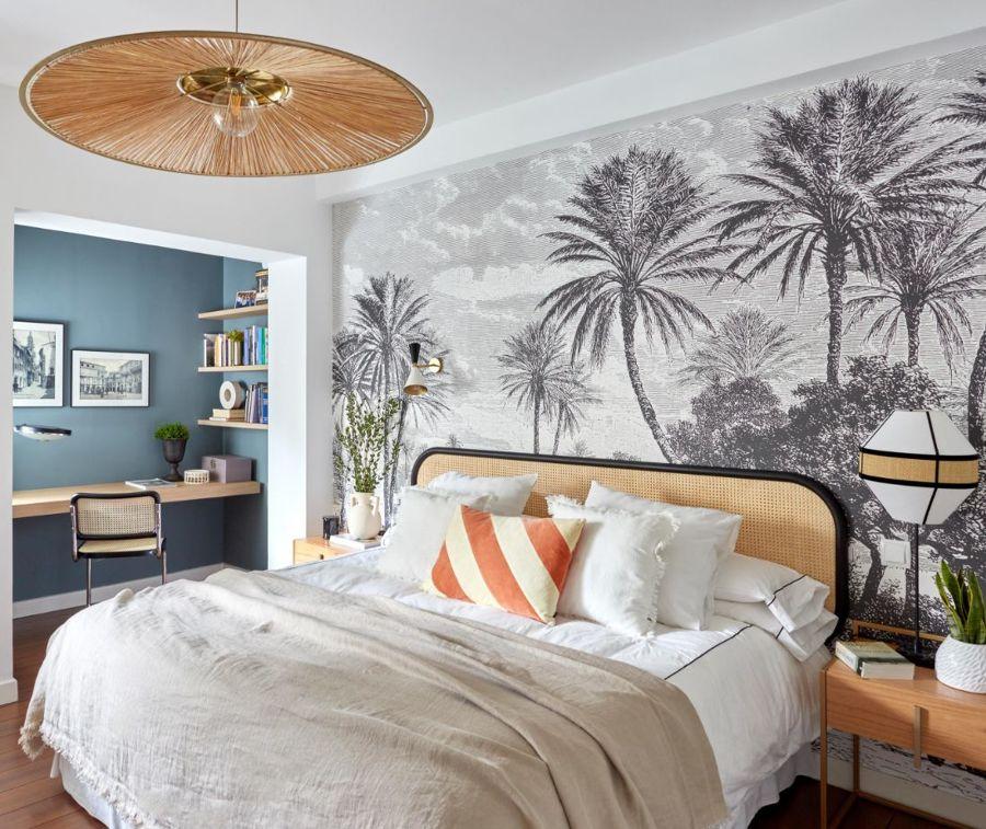 Dormitorio clásico con fotomural en blanco y negro