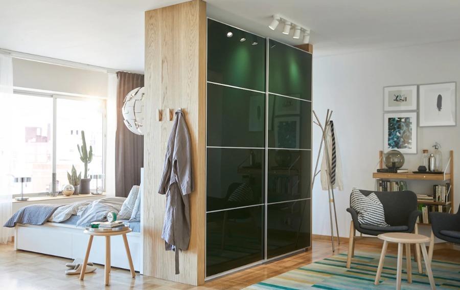 Dormitorio con armario PAX IKEA