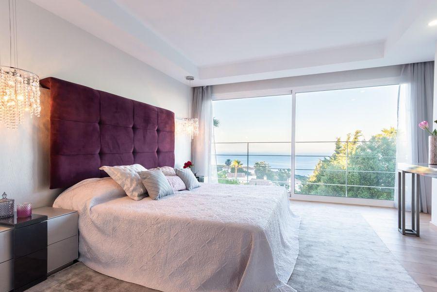 Dormitorio con bonitas vistas