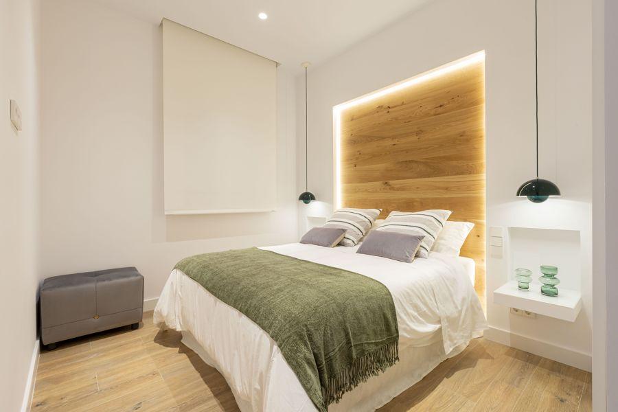 Dormitorio con cabecero a medida de pladur
