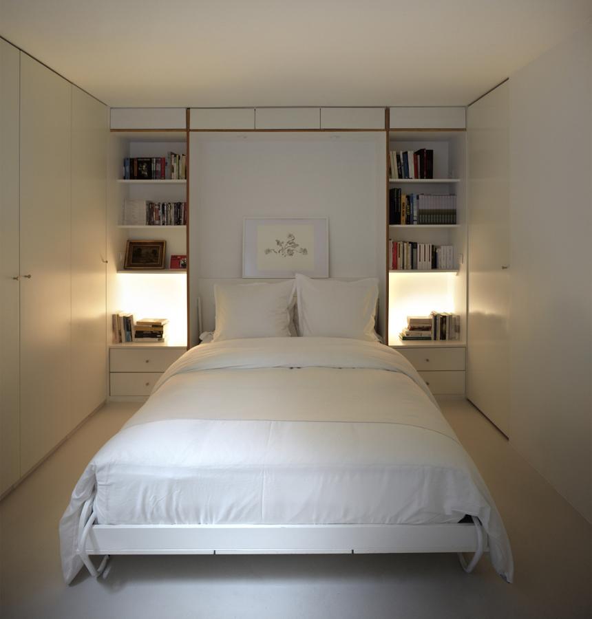 Foto dormitorio con cabecero mueble de lola mulledy - Cabecero con fotos ...