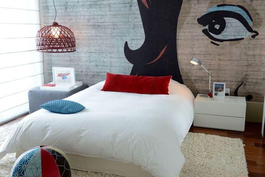 Dormitorio con cabecero pop art