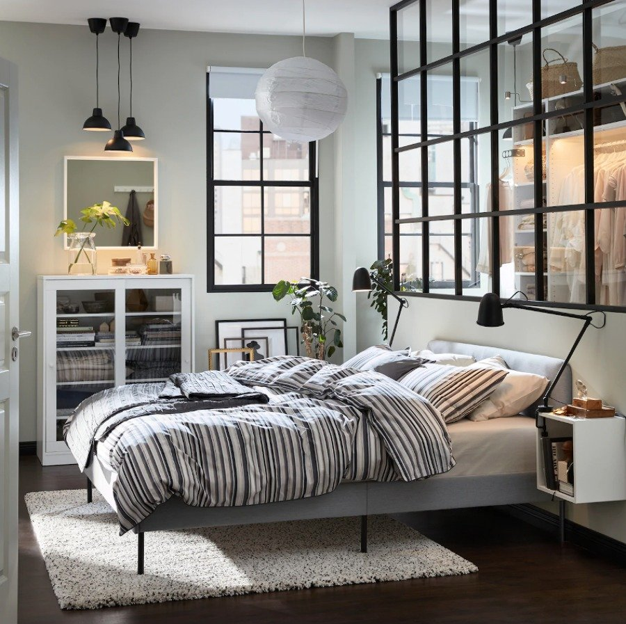 Dormitorio con colchón de IKEA