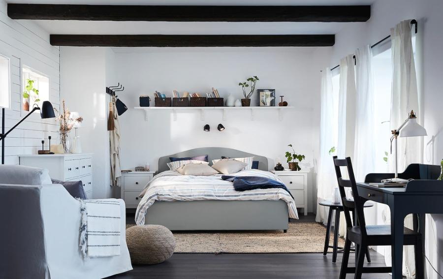 Dormitorio con cómodas de 2 y 8 cajones