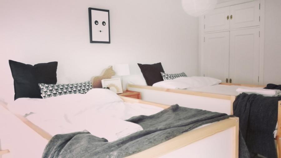 Dormitorio con dos literas