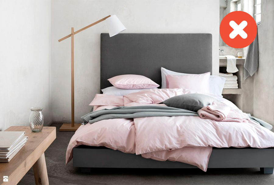 Dormitorio con nórdico rosa y gris