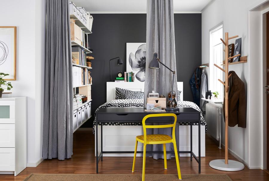 Dormitorio con sistema de almacenaje abierto de IKEA