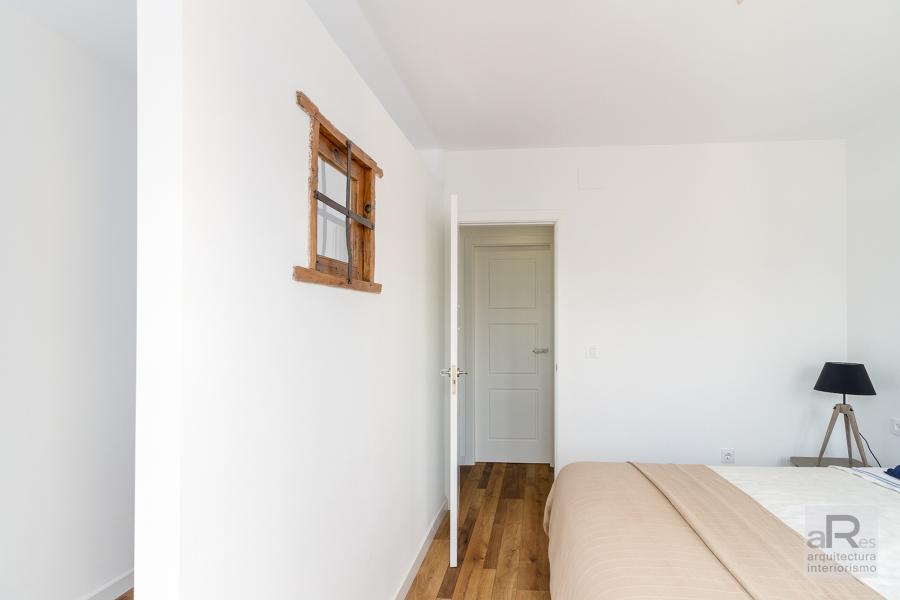 Dormitorio con vestidor