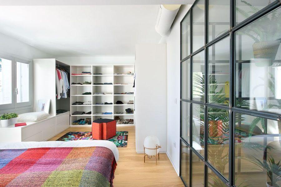 Dormitorio con vestidor incorporado