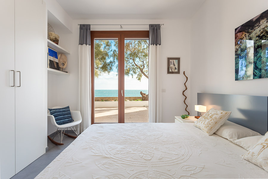 Dormitorio con vistas al mar - copia