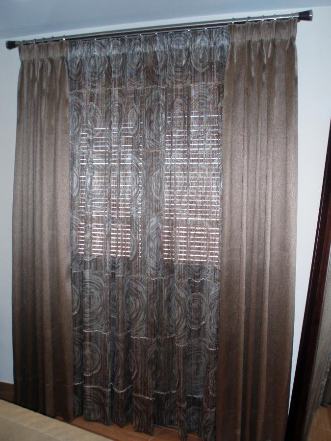 Dormitorio cortina y visillo + colcha edredón